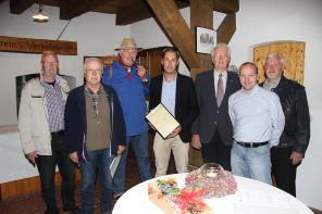 13.10.2015 Heimatverein begrüßt 200. Mitglied
